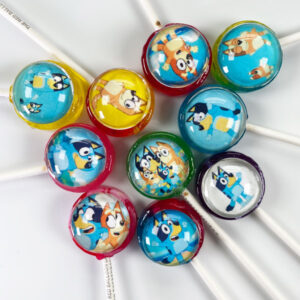 Bluey Pops from the popular tv series. Lollipops incl. Bluey, Bingo, Bandit & Chilli.