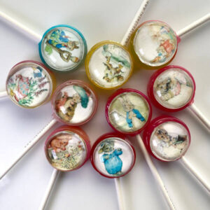 Peter Rabbit Pops, inspired by the children's book. 10 colourful designed lollipops in assorted fruit-flavours.
