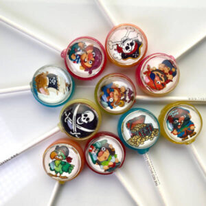 Pirate themed lollipops incl. Pirates, Parrots, Golden Treasure, Skull & Cross Bones.